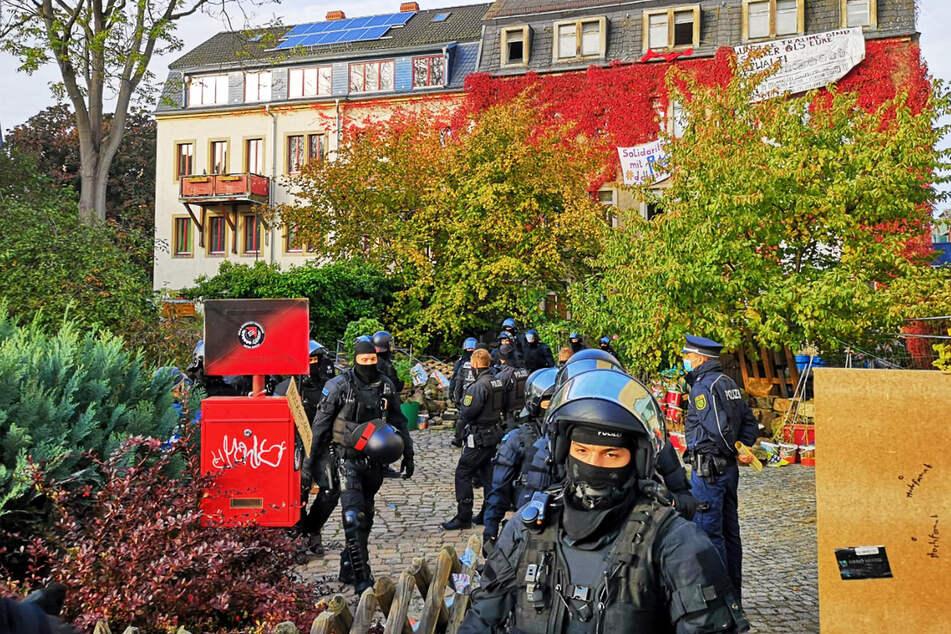 Besetztes Haus in Dresden geräumt: Aktivisten drohen mit weiteren Protest-Aktionen!