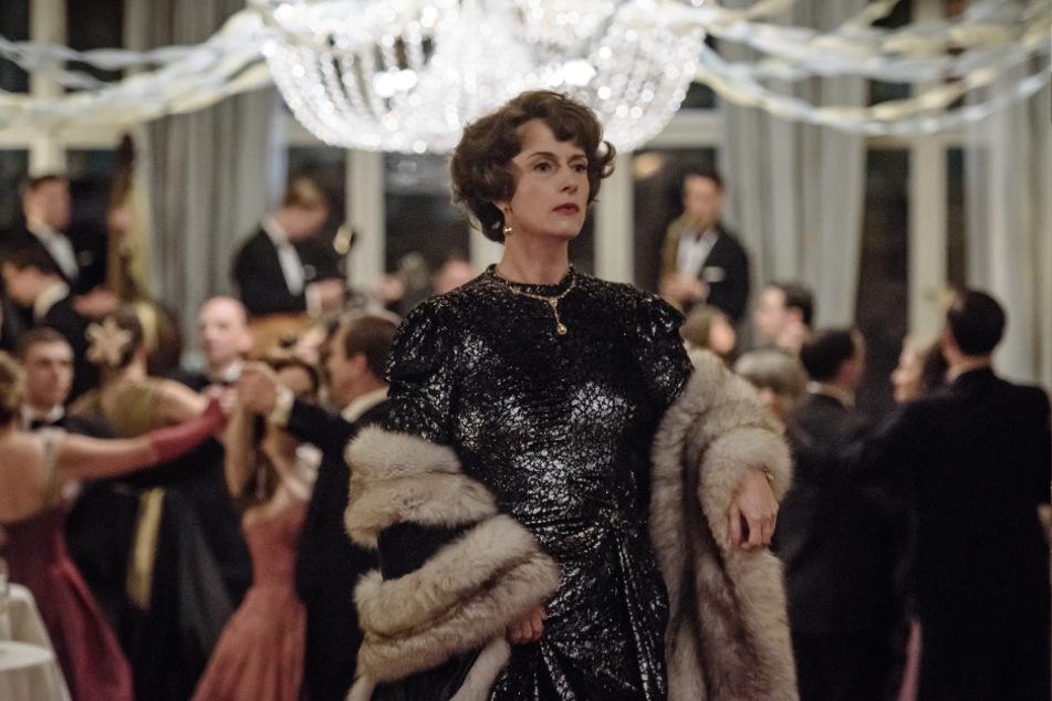 """In der """"Ku'Damm""""-Reihe, deren dritte Staffel vor Kurzem abgedreht wurde, spielt Claudia Michelsen (51) die Tanzschulchefin """"Caterina Schöllack""""."""