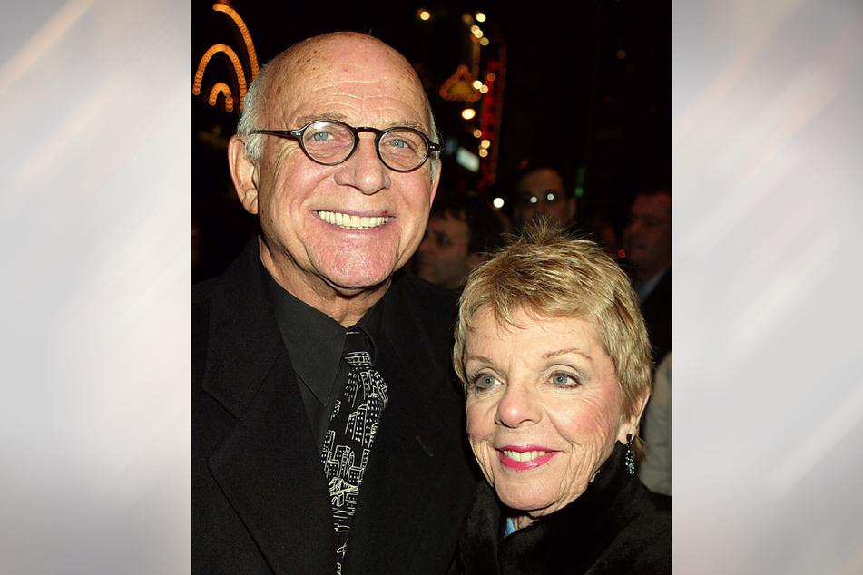 US-Schauspieler Gavin MacLeod und Ehefrau Patti 2003 bei einer Veranstaltung im Longacre Theater in New York.