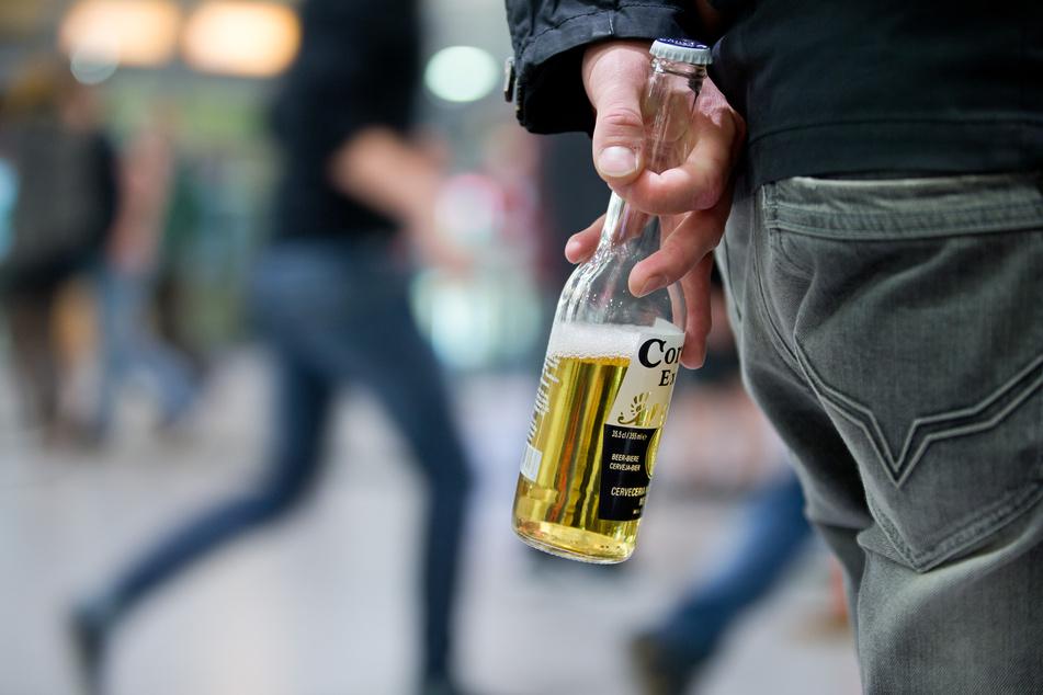 Laut eines Gerichts-Hinweises ist das Alkoholverbot in NRW wohl rechtswidrig gewesen. (Symbolbild)