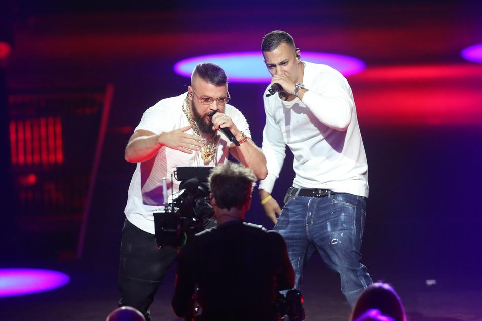 Sogenannte Gangster-Rapper wie Kollegah (36, l.) oder Farid Bang (34) kommen mit ihren häufig diskriminierenden Texten vor allem bei jungen Hörern gut an.