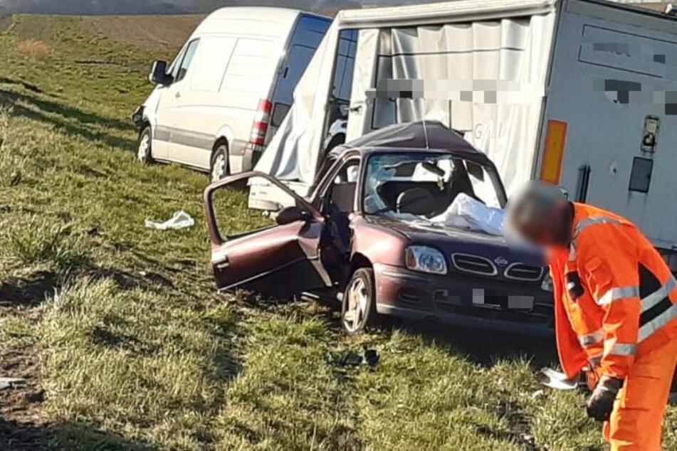 Der Fahrer des Nissans wurde schwer verletzt.