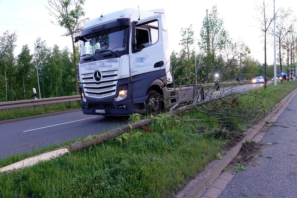 Ein Laster kollidierte mit dem Hyundai auf dem Südring.