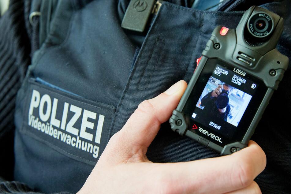 Berlin: Streit im Berliner Ostbahnhof eskaliert: Suff-Quartett ruft Polizei auf den Plan