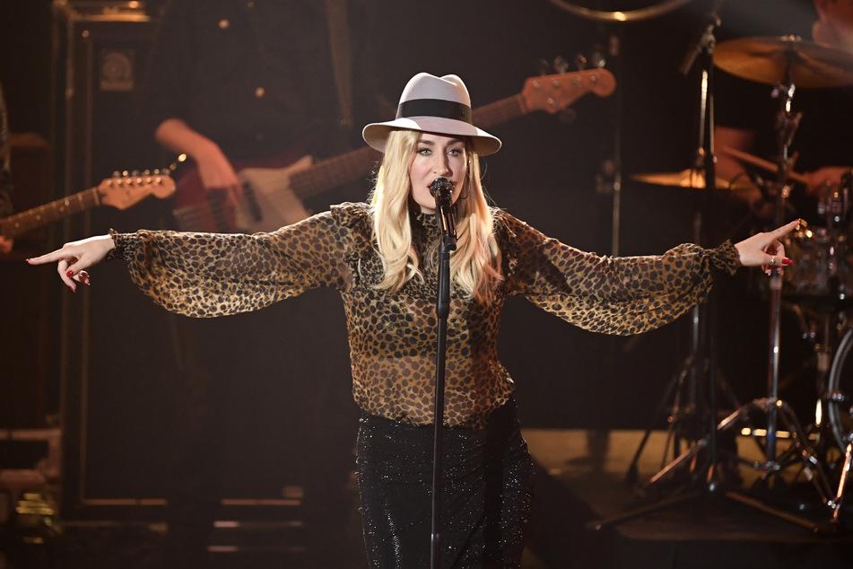 """Die Sängerin Sarah Connor tritt während der jährlichen Benefizgala """"Ein Herz für Kinder"""" auf."""