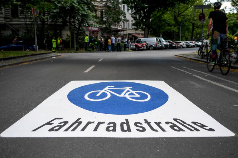Welche Regeln gelten auf Fahrradstraßen?
