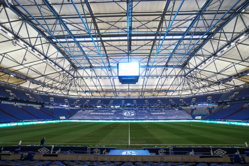 Der Wunschtraum sicher nicht für Dynamo-Keeper Kevin Broll (25), sondern für alle: Die Veltins-Arena auf Schalke. Dort will Dresden in der kommenden Saison spielen.