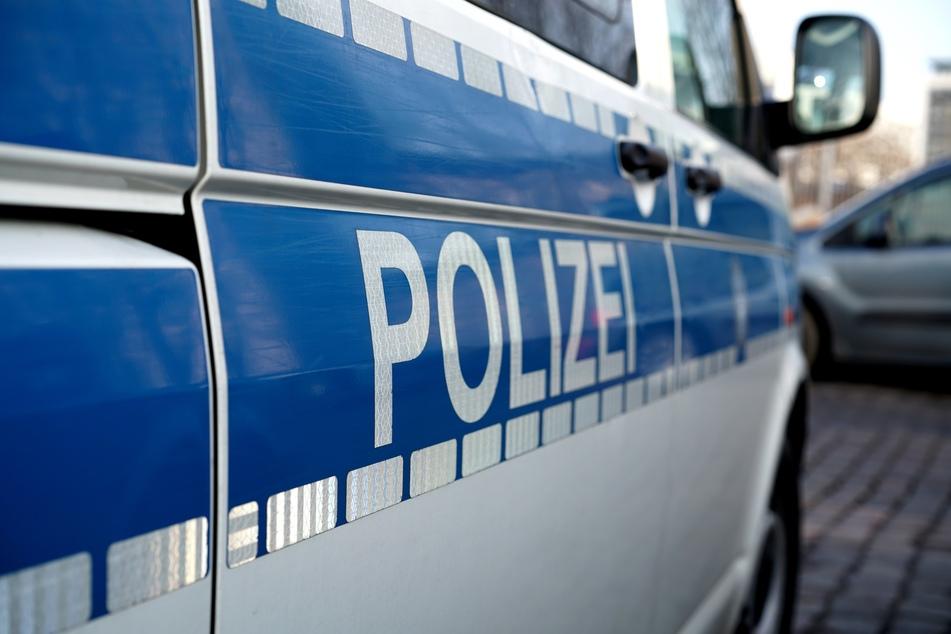 Drei Teenager an der Elbe überfallen