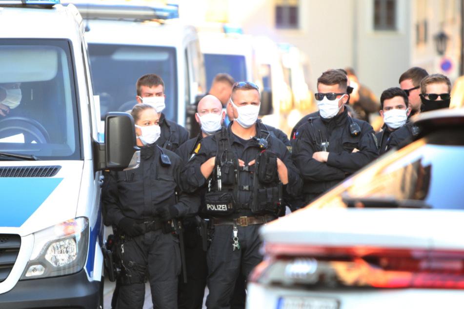 Auch die Polizei war vor Ort und Stelle.