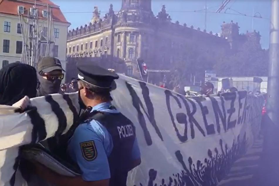 """Beim Zusammenstoß der Demonstranten mit der Polizei auf der Wilsdruffer fiel der verhängnisvolle Satz: """"Schubs mich und Du fängst Dir 'ne Kugel""""."""