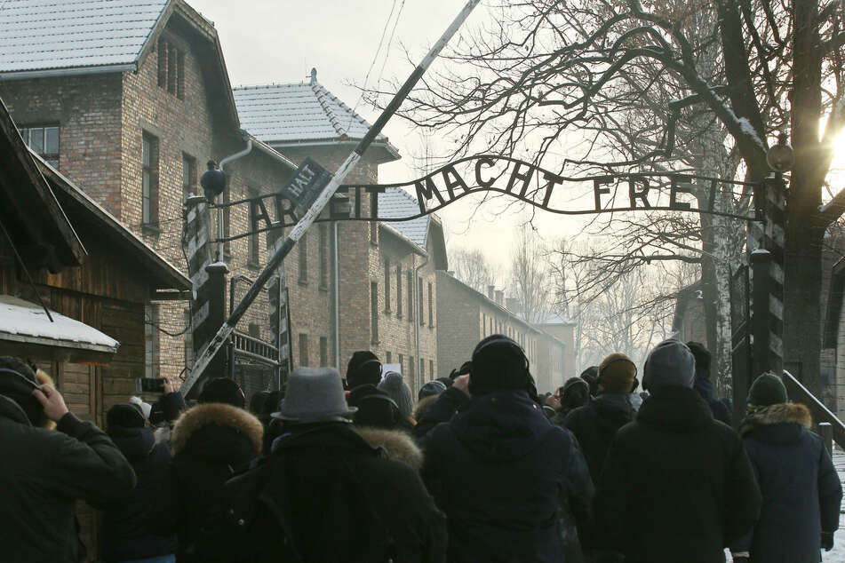 Study says a quarter of young Americans think the Holocaust is a myth