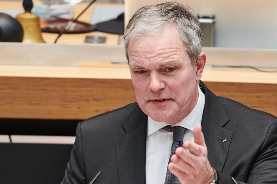 Burkard Dregger (CDU) ließ bei der letzten Parlamentsdebatte kein gutes Haar an dem rot-rot-grünen Senat.