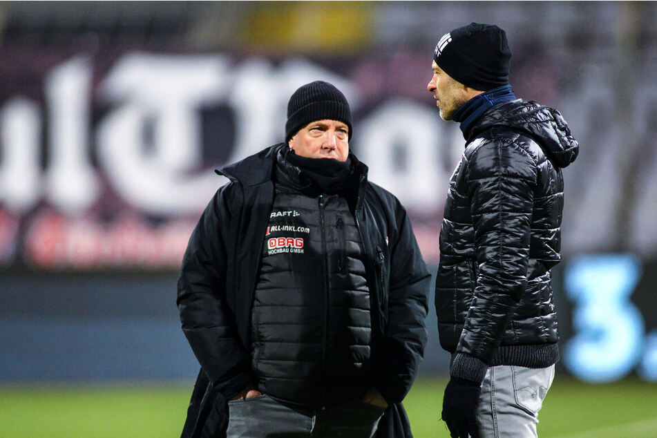 Beim Hinspiel in München hieß der Dynamo-Trainer noch Markus Kauczinski (51, l.) und der Türkgücü-Coach Alexander Schmidt (52).