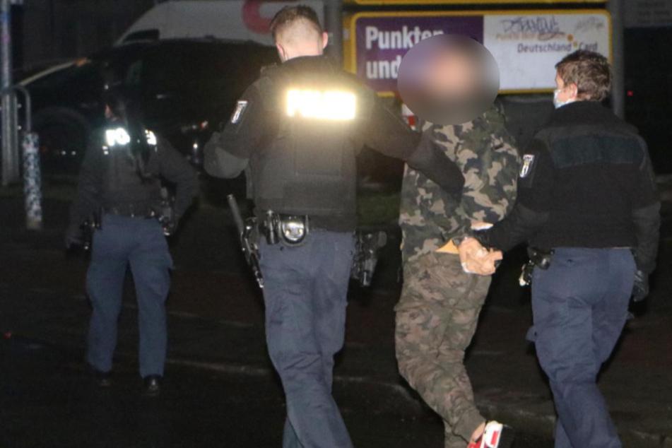 Eines der Opfer wurde bereits per Haftbefehl gesucht. Er wurde verhaftet.