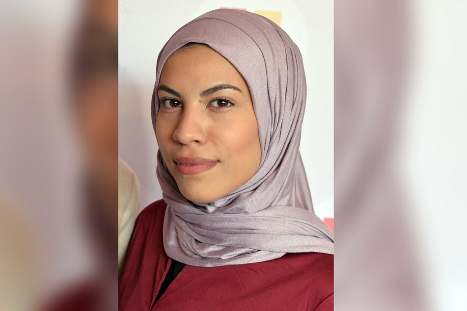 Nemi El-Hassan (28) hat sich nach Medienberichten von ihrer Teilnahme an der Israel-Hass-Demo in Berlin distanziert.