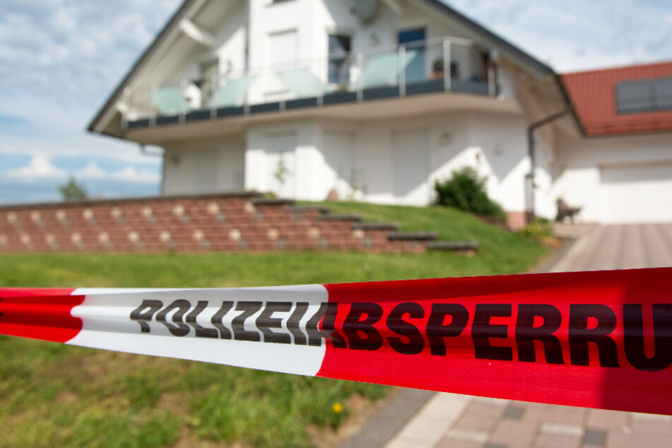 Das Foto zeigt den Tatort: Das Wohnhaus von Walter Lübcke bei Kassel.