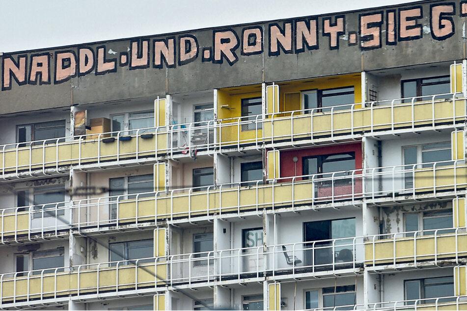 """Dresden: """"Naddl und Ronny"""" vom Gammel-Hochhaus: Graffiti sind jetzt Kunst"""