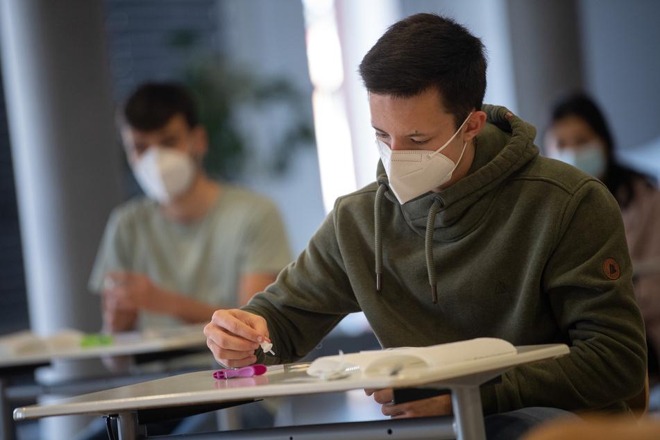 Aktuell finden auch in Hessen die Abiturprüfungen statt. Diese seien von eventuellem Distanzunterricht ausgenommen.