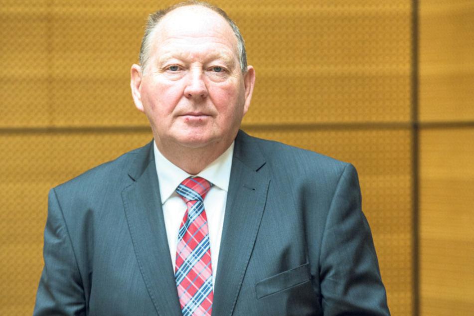 Klaus Brähmig (63) aus Papstdorf tritt als Parteiloser zur Bundestagswahl an. Er erwartet keinen Erdrutschsieg, rechnet sich aber gute Chancen aus.