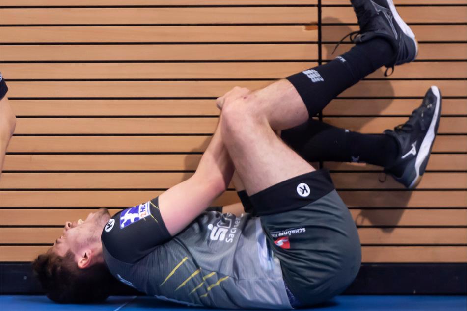30. Dezember 2020: Nils Gugisch (23) verletzt sich schwer, später werden Risse des Kreuzbandes und des Außenmeniskus' im linken Knie diagnostiziert.