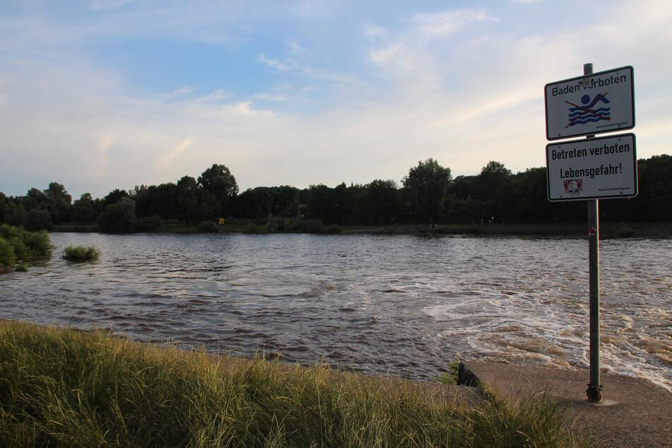 Der erst sechs Jahre alte Junge war in Bayern am Samstag gegen 17.45 Uhr beim Spielen in den Fluss Regen gefallen.