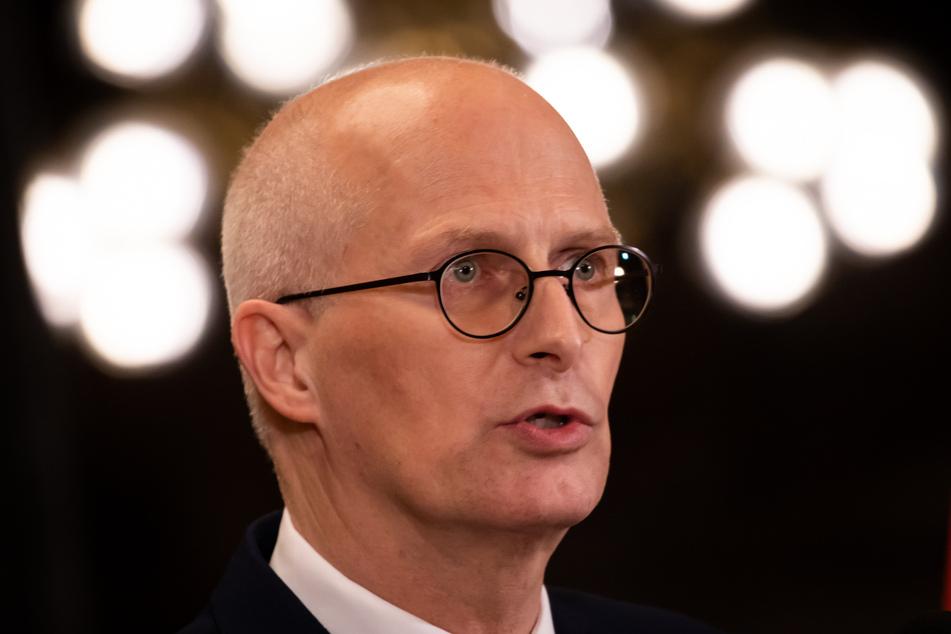 Peter Tschentscher (SPD), Erster Bürgermeister in Hamburg, sorgt sich um die zunehmende Zahl von Corona-Patienten.