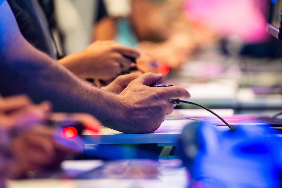 Spieler und Besucher der Gamescom. 2020 wird die Messe in Köln digital stattfinden.