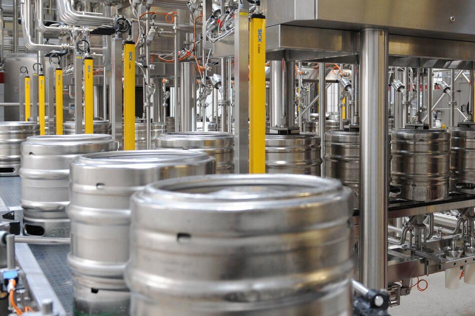 Brauer befürchten, tausende Liter Bier in den Gully schütten zu müssen. (Symbolbild)