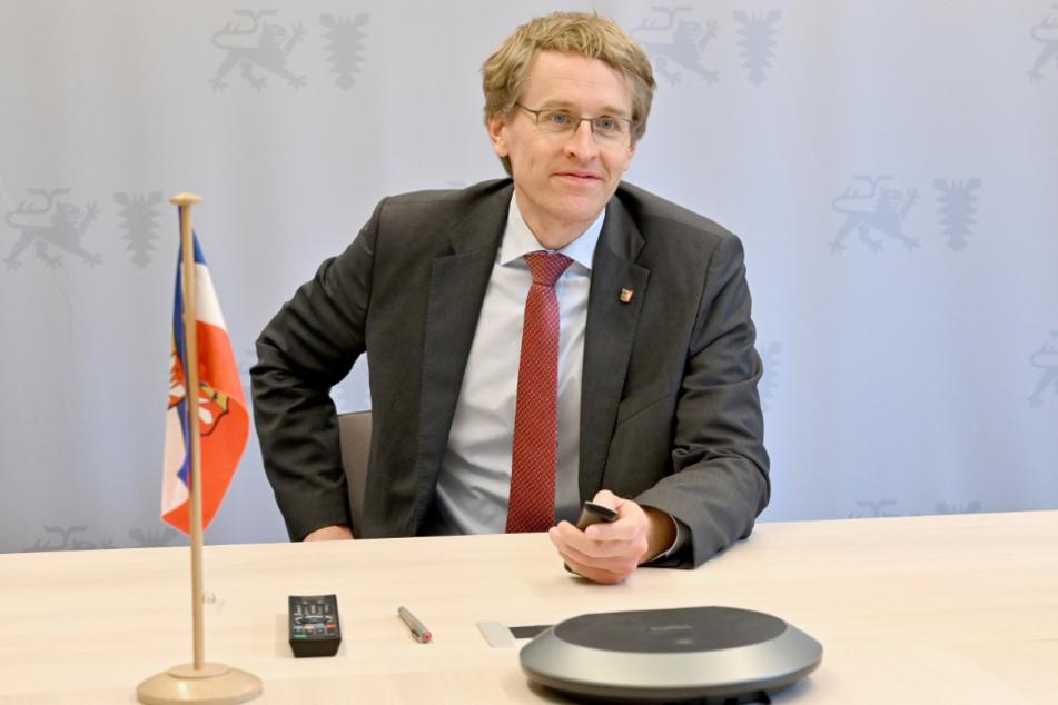 Ministerpräsident Daniel Günther berät sich am Mittwoch mit seiner Koalition. (Archivbild)
