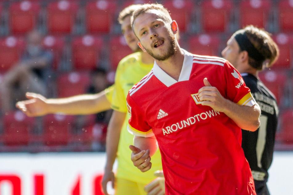 Berlins Cedric Teuchert jubelt nach seinem Treffer.
