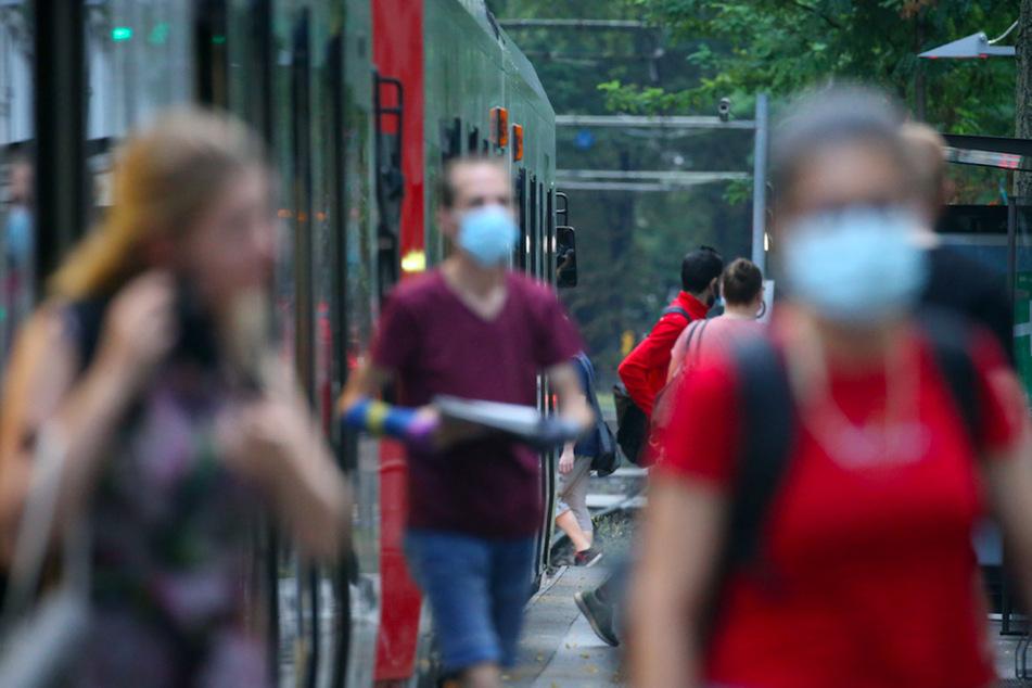 Wer seine Maske im Bus nicht trägt, muss 150 Euro zahlen.