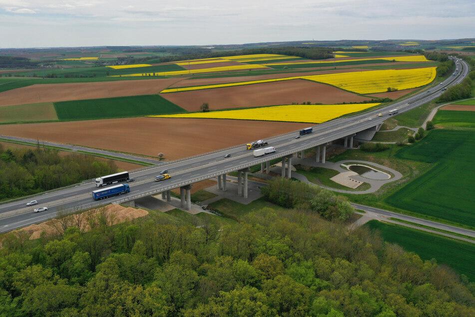 Ein Kleinflugzeug landete auf einer Autobahn in Polen. (Symbolbild)