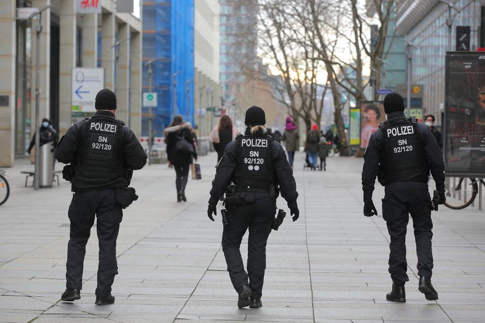 Dresden: Mädchen (13, 16) auf der Prager Straße begrapscht: Zeugen gesucht!