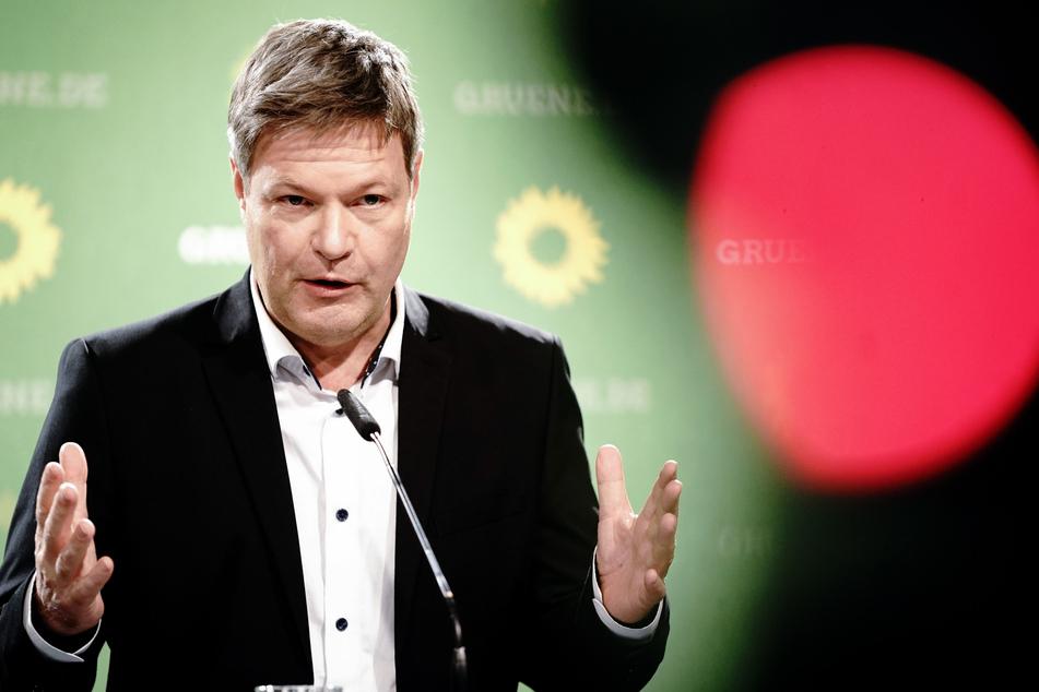 Der Bundesvorsitzende von Bündnis 90/Die Grünen, Robert Habeck (51).