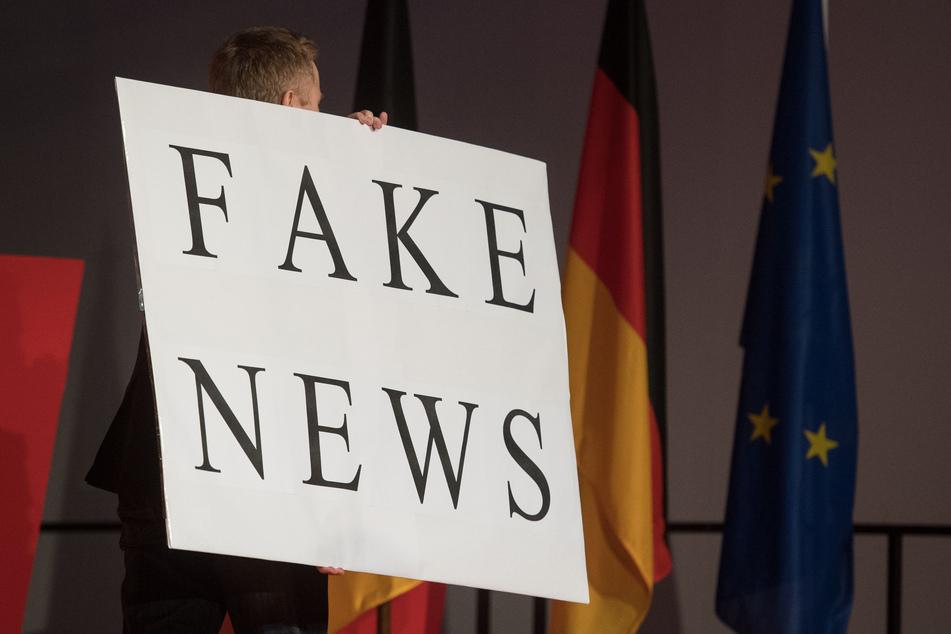 Eine große Mehrheit der Deutschen hat vor der Bundestagswahl laut einer Forsa-Umfrage Angst vor Manipulationsversuchen durch Fake-News. (Archivbild)