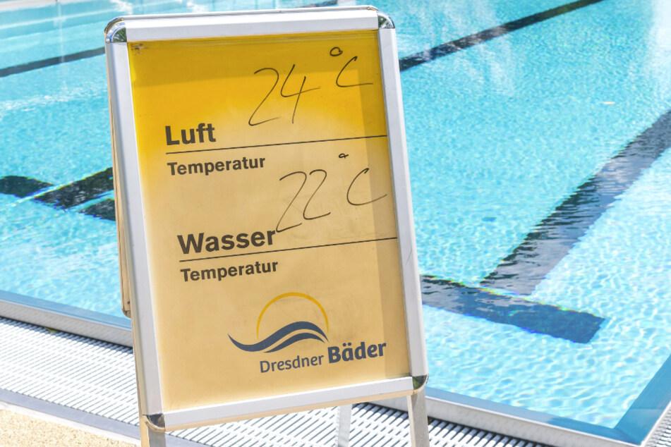 Trotz Sonnenschein ist die Wassertemperatur im Freibad viel kälter als in der Halle, wo die Prüfungen für gewöhnlich absolviert werden.