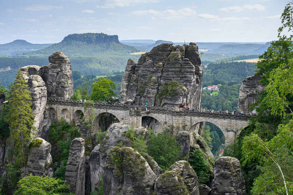 Auch in der Sächsischen Schweiz gibt es schon viele Buchungen, aber es sind auch noch einige Plätze frei.