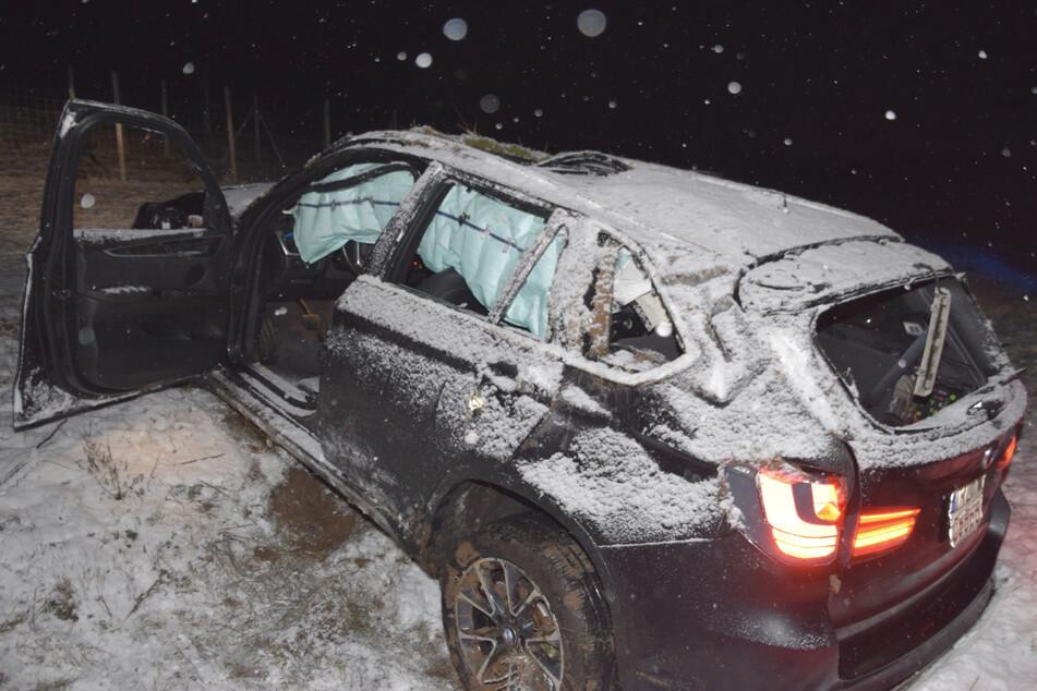 Bei einem Unfall auf der A6 kam ein 19-Jähriger bei Kirchardt von der Straße ab, überschlug sich mehrfach und wurde schwer verletzt.