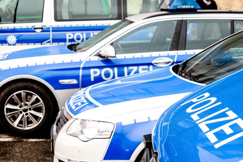 Die Polizei ging davon aus, dass das Trio zuvor unter einem Vorwand um Einlass gebeten hatte. (Symbolbild)