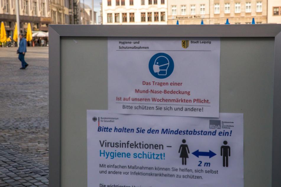 Seit Donnerstag gilt in Leipzigs Innenstadt auch außerhalb von Bars, Restaurants und Geschäften das Tragen eines Mund-Nasenschutzes als Pflicht.