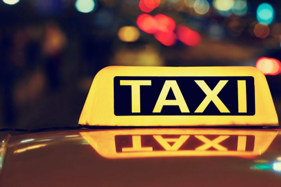 Leipziger Taxifahrer verlangt Geld von Kunden, dann eskaliert die Situation