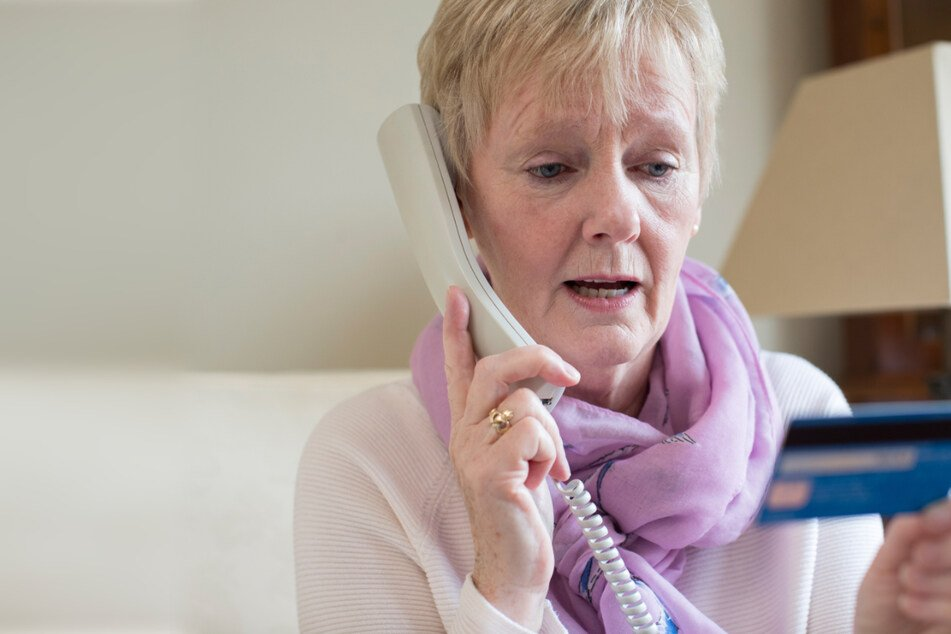 Dresden: Telefonbetrug mit Todesnachricht: Aufmerksame Helfer retten zwei 86-Jährige