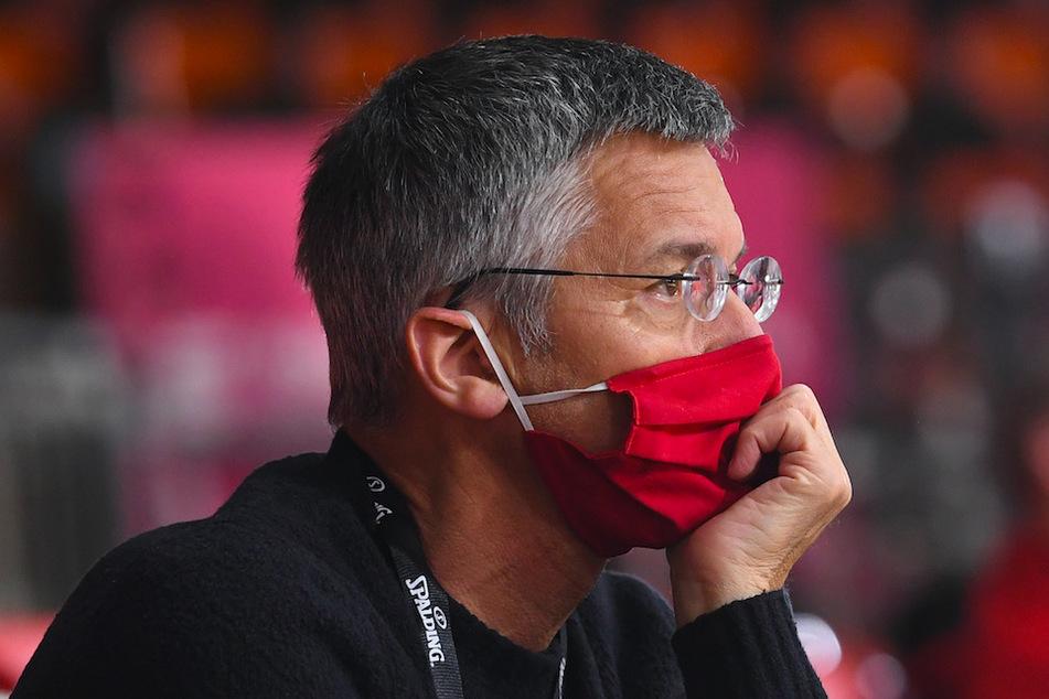 FC-Bayern-Präsident Herbert Hainer (66) sieht die Nachfolgediskussion um den Bundestrainer-Posten kritisch.