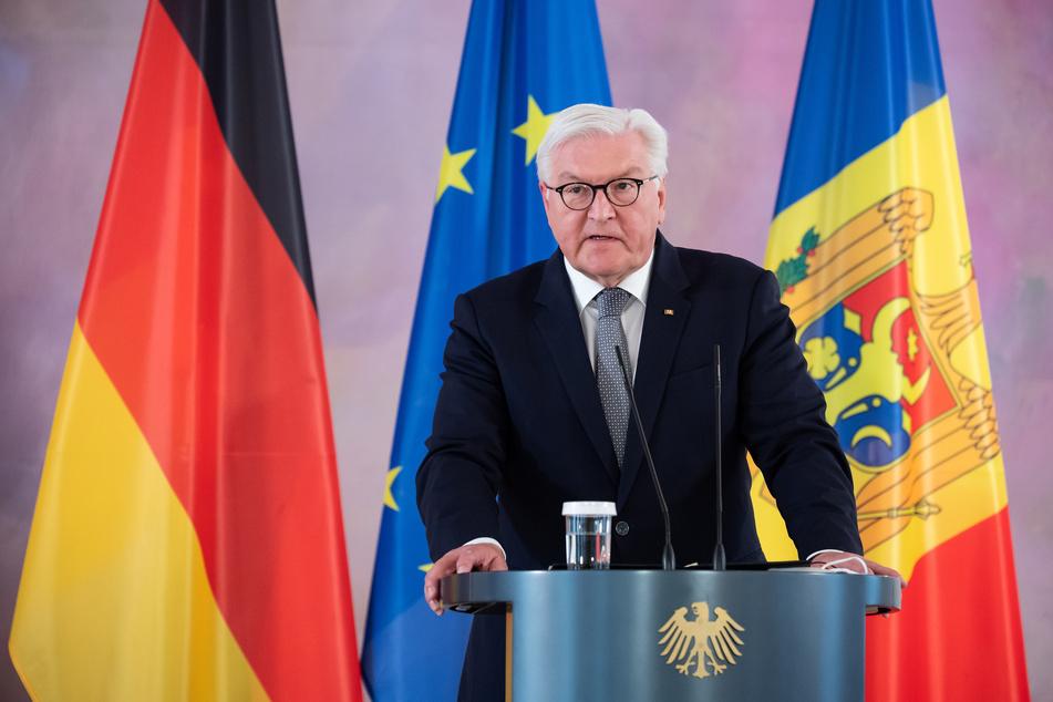 Steinmeier dankte Giffey für ihre politische Arbeit.