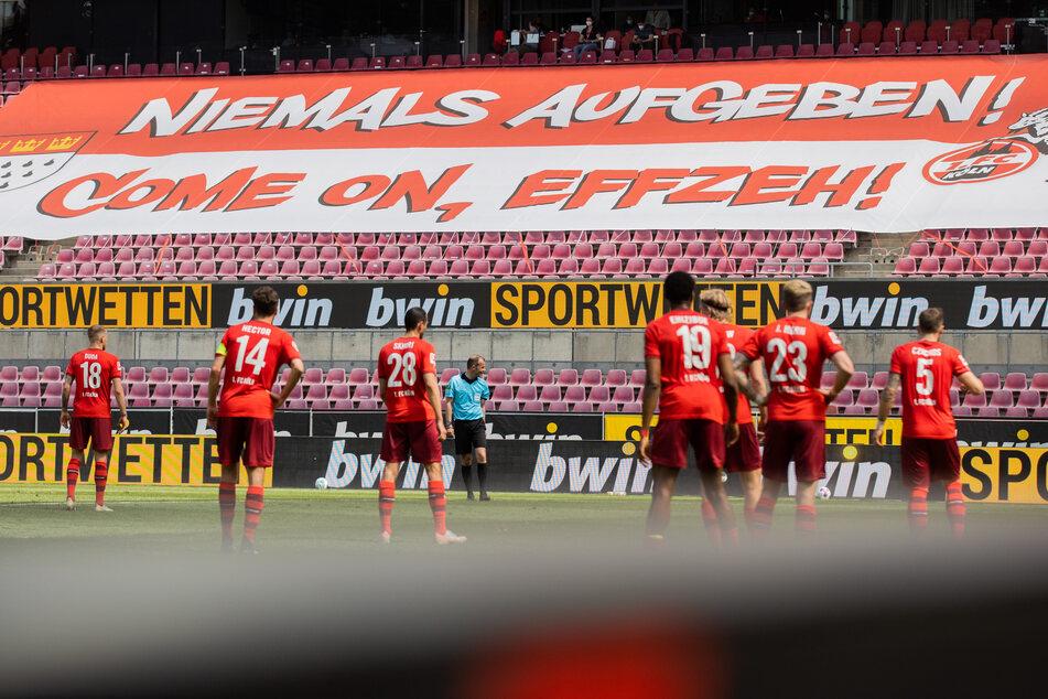 Die Kölner Mannschaft im RheinEnergie-Stadion im Frühling 2021.