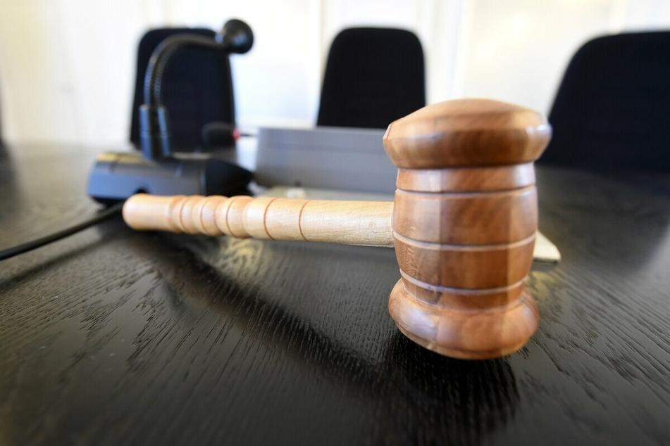Das vorläufige Gerichtsurteil wurde gefällt. (Symbolbild)