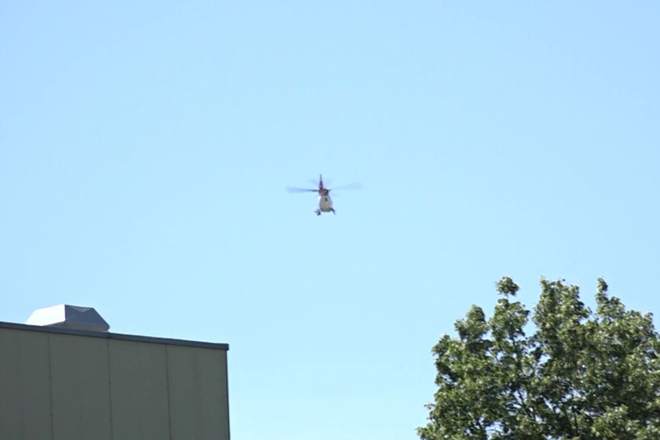Eine Person erlitt schwere Verletzungen, sie wurde mit einem Hubschrauber in ein Krankenhaus geflogen.