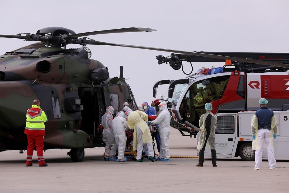Zwei weitere Patienten wurden per Hubschrauber eingeflogen.