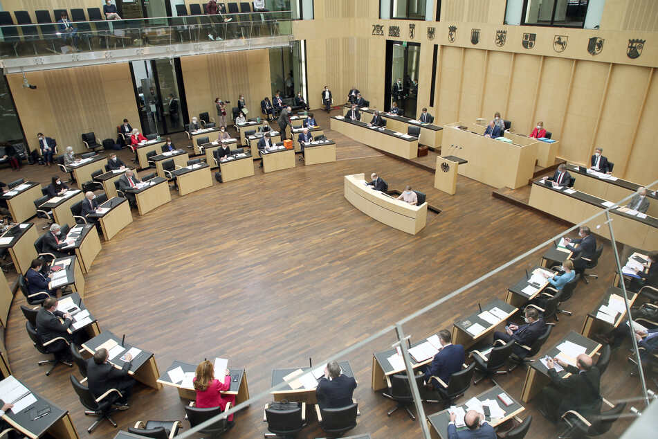 Corona-Notbremse kommt wohl spät: Bundesrat entscheidet erst Donnerstag!