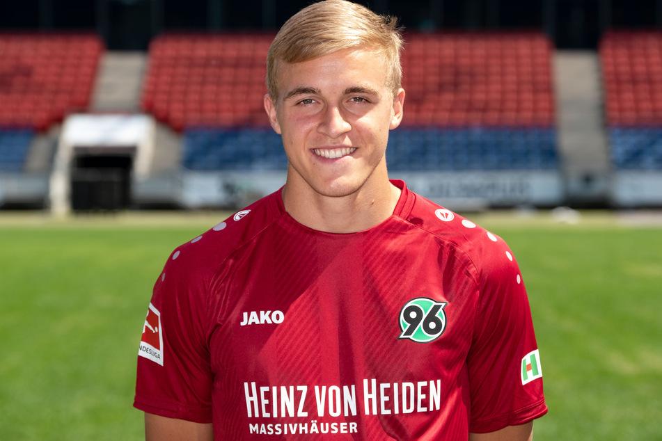 Der 1. FC Köln hat angeblich Interesse an Timo Hübers (24) von Hannover 96.